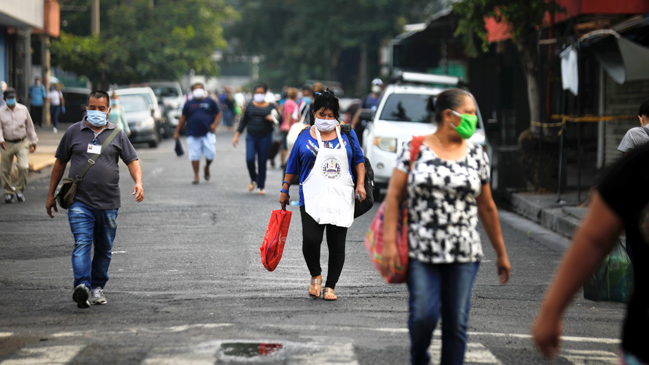 El Salvador decreta estado de emergencia sin aval del Congreso, acusan a Bukele de violar la ley