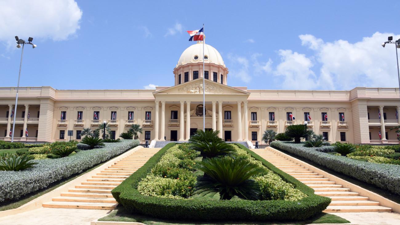RD: renuncia viceministro del Ministerio de Economía por razones políticas
