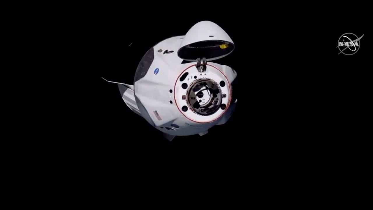 La nave de SpaceX se acopla a la Estación Espacial Internacional