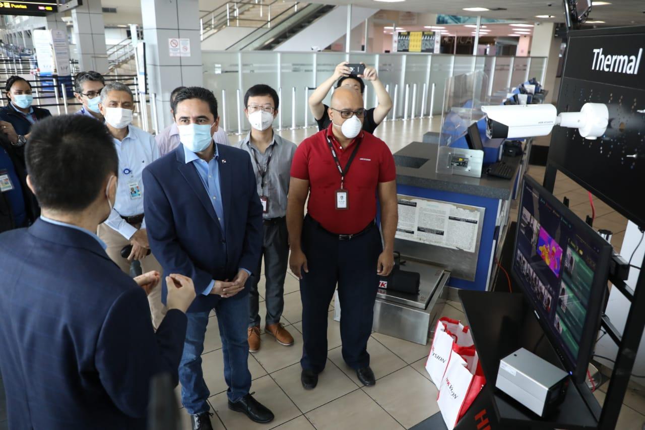 Aeropuerto de Tocumen refuerza medidas preventivas e instala cámara térmica