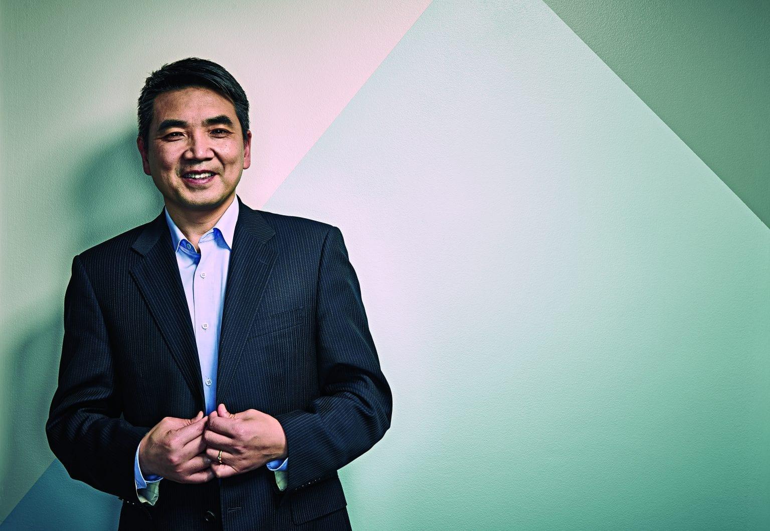 Zoom a Eric Yuan: la historia del millonario y fundador de la plataforma de videollamadas