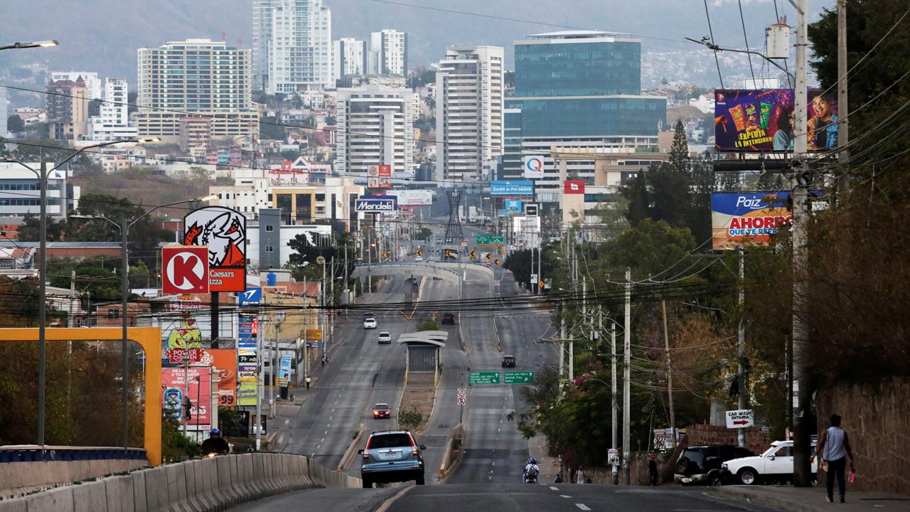 Honduras abrirá el lunes sus fronteras terrestres tras siete meses de cierre