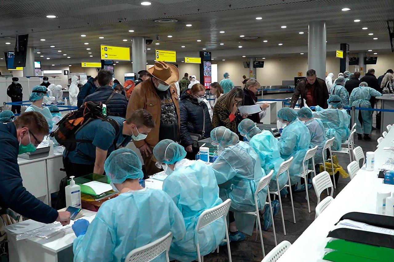 El 64% de los rusos ven al coronavirus como un arma biológica: sondeo