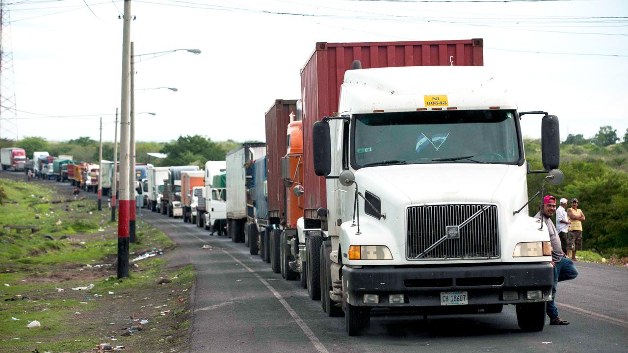 Los riesgos de que los países centroamericanos respondan con bloqueos a la crisis del transporte de carga