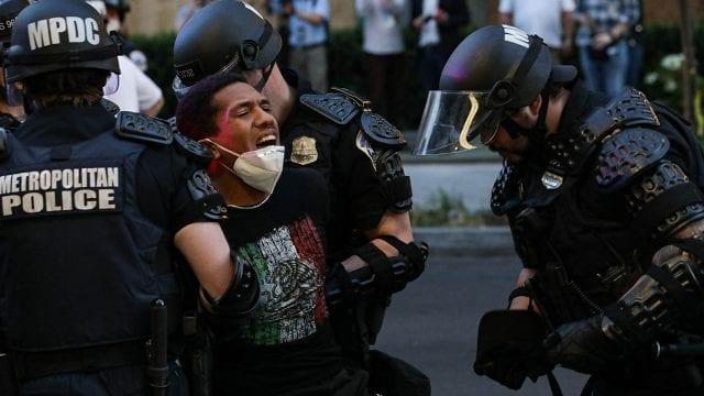 Washington se prepara para grandes protestas mientras autoridades tratan de contener a la policía