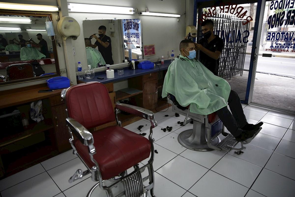 El Salvador arranca con primera fase de reactivación económica por pandemia