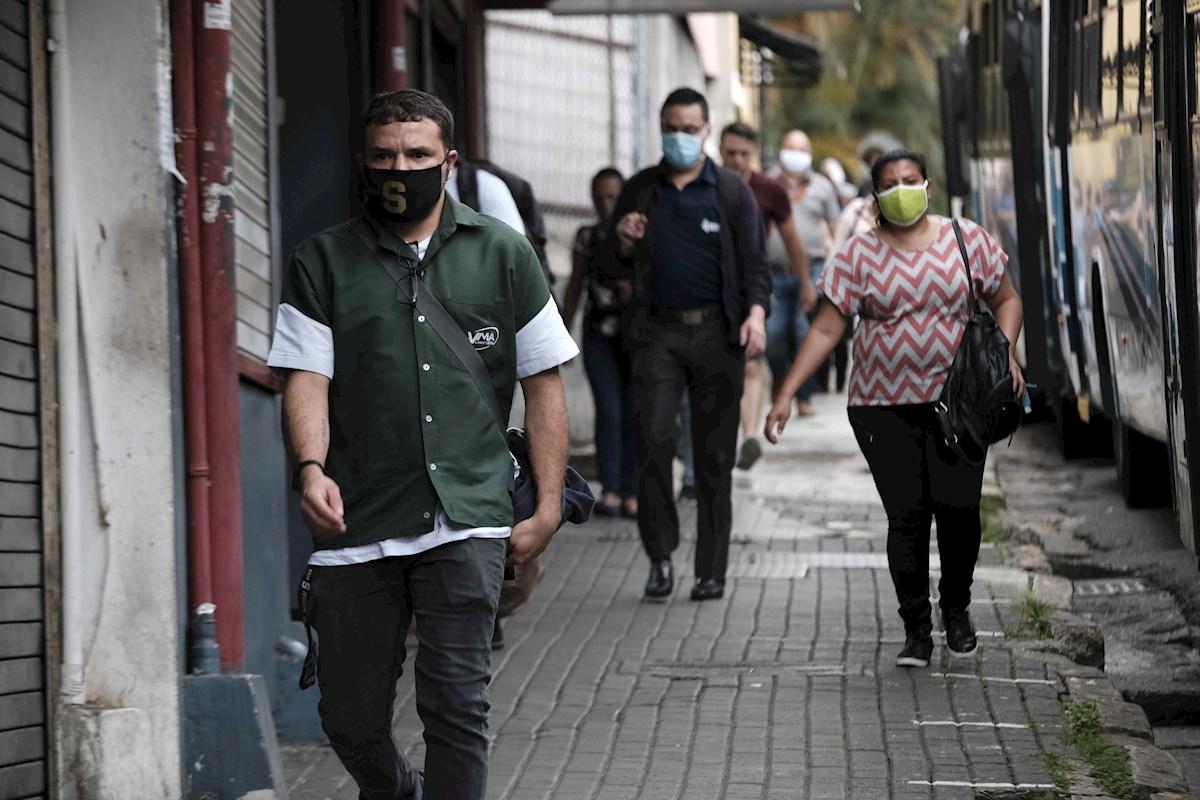 Zonas de América miran con temor segunda ola de contagios COVID-19
