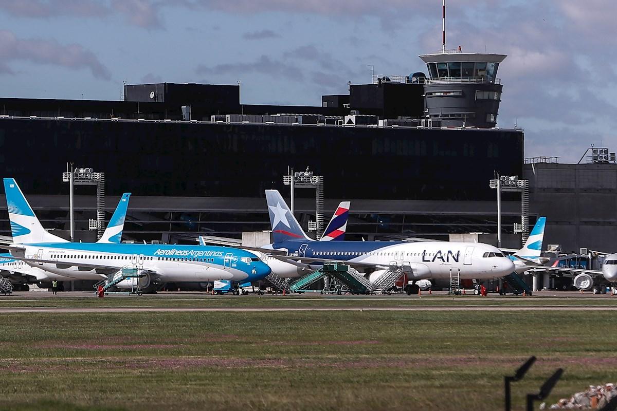 Cinco claves para entender la peor crisis de las aerolíneas en Latinoamérica