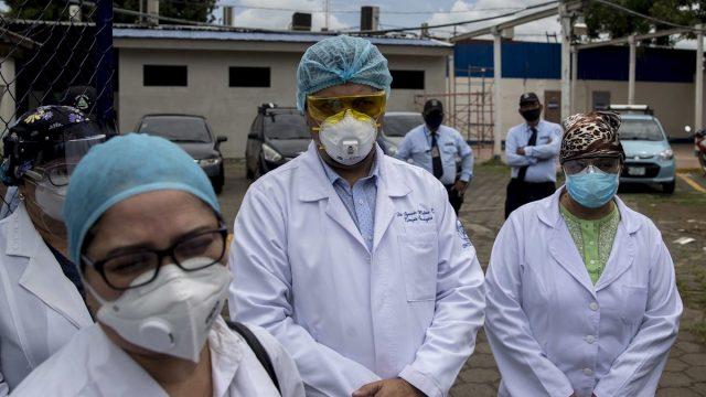 Médicos despedidos en medio de pandemia en Nicaragua demandan su ...