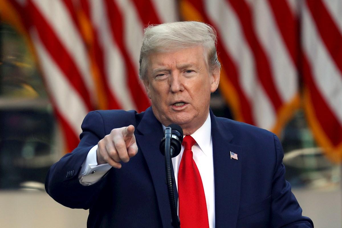 Trump llama 'idiota' al epidemiólogo jefe de EU y amenaza con despedirle
