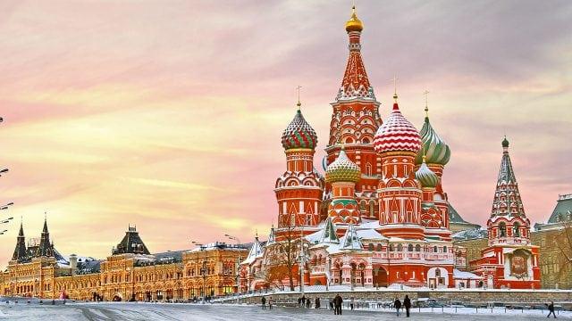 Rusia aprueba inclusión de Dios en la Constitución y que el matrimonio sea sólo heterosexual