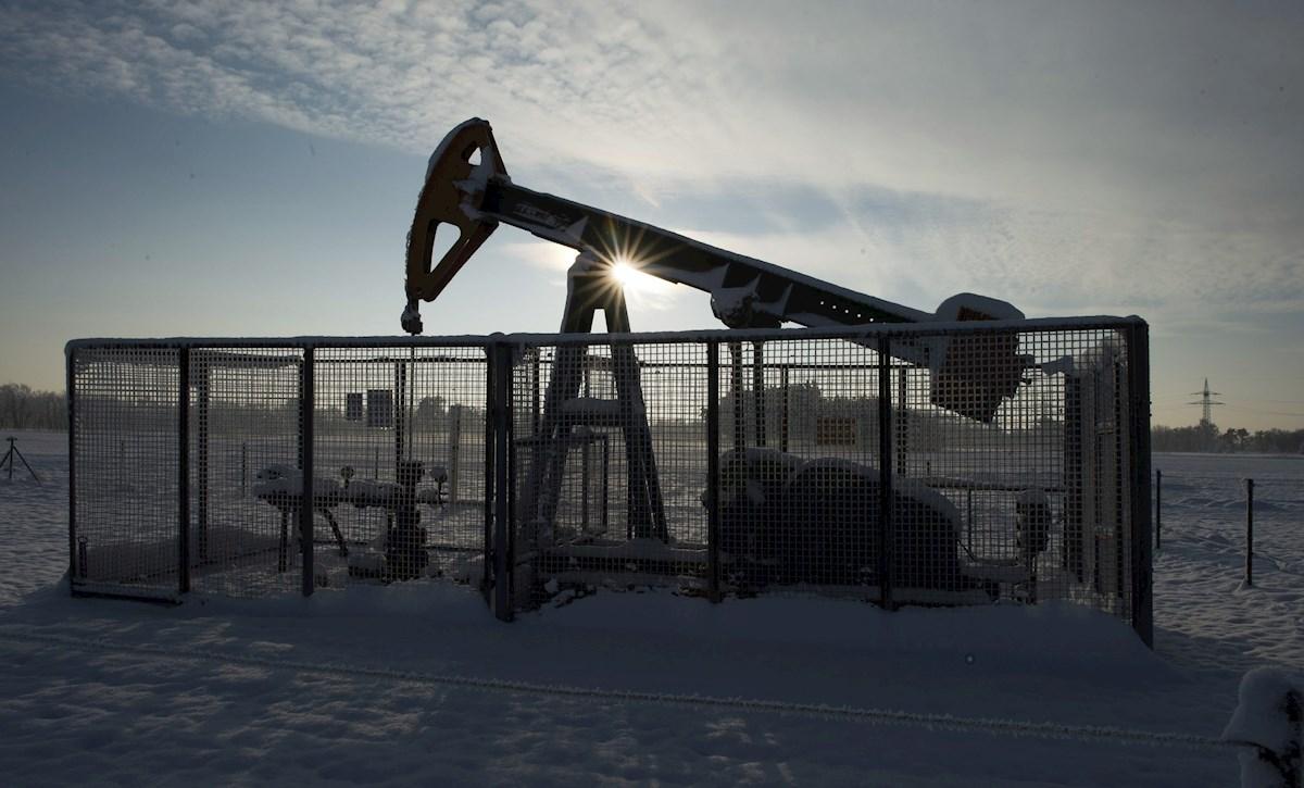 Petróleo de Texas baja un 1.6% por tensiones entre EU y China