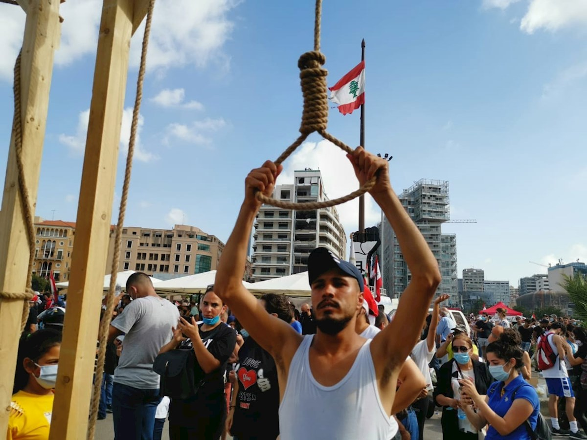 Manifestantes vuelven a enfrentar a la policía en Beirut