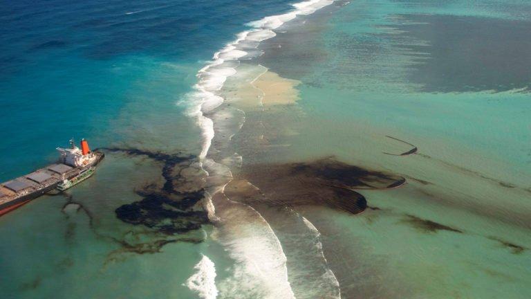 Desastre ecológico por derrame de combustible en Isla Mauricio