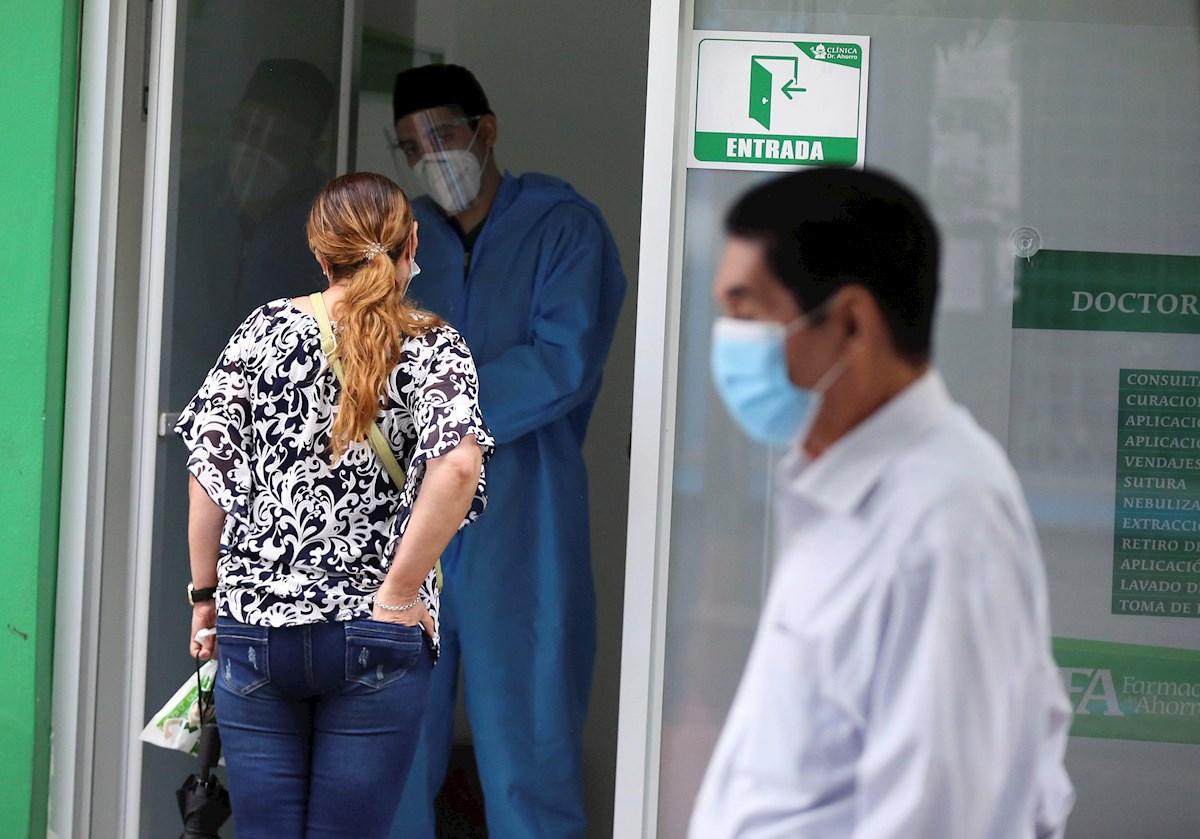 La COVID-19 sigue en alza en Honduras entre dificultades con pruebas PCR