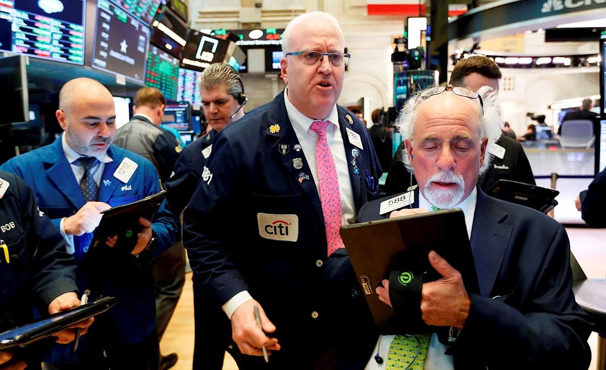 Wall Street cierra con ganancias y con récord del Nasdaq