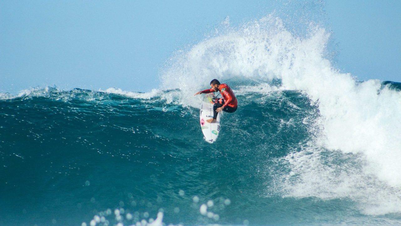 Tres sorprendentes playas en Centroamérica para practicar surf