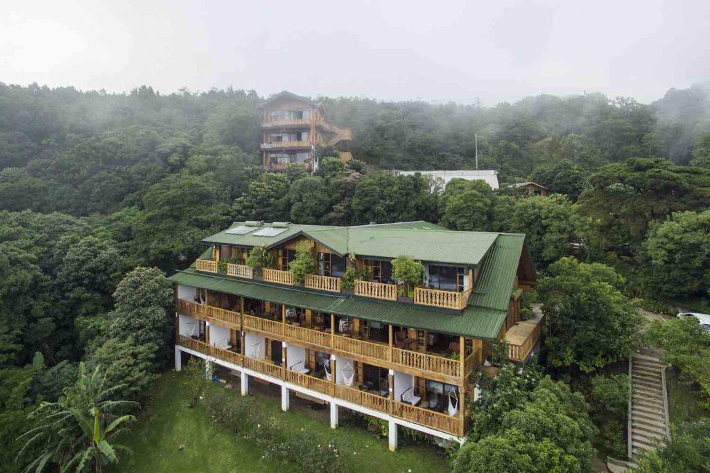 Monteverde room office