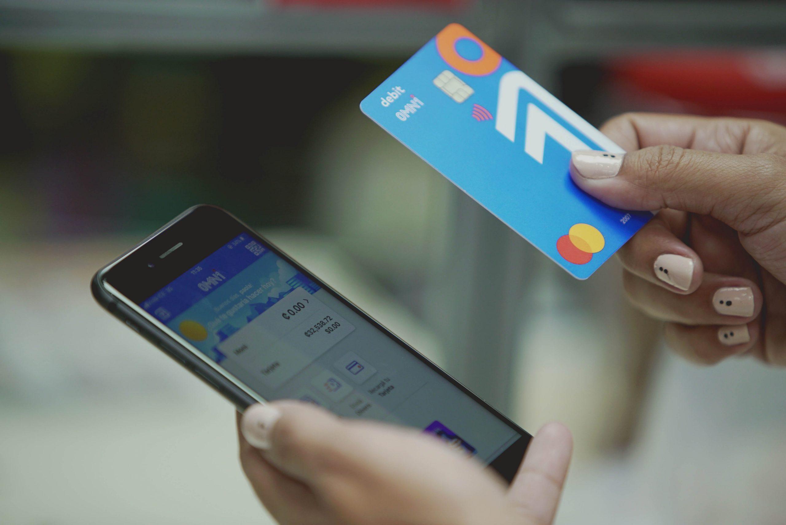 OMNi apuesta por los servicios financieros