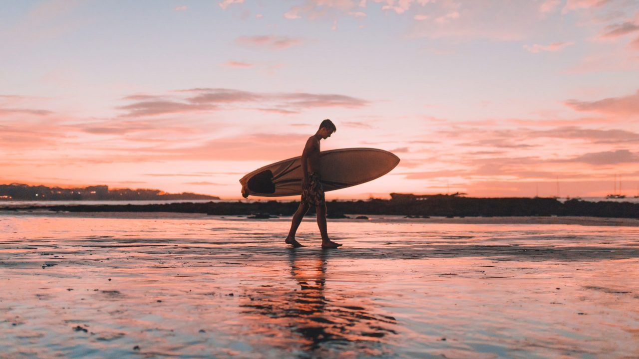 Costa Rica busca al próximo campeón mundial de surf