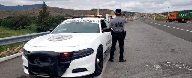 México refuerza su frontera sur ante el avance de una caravana de migrantes