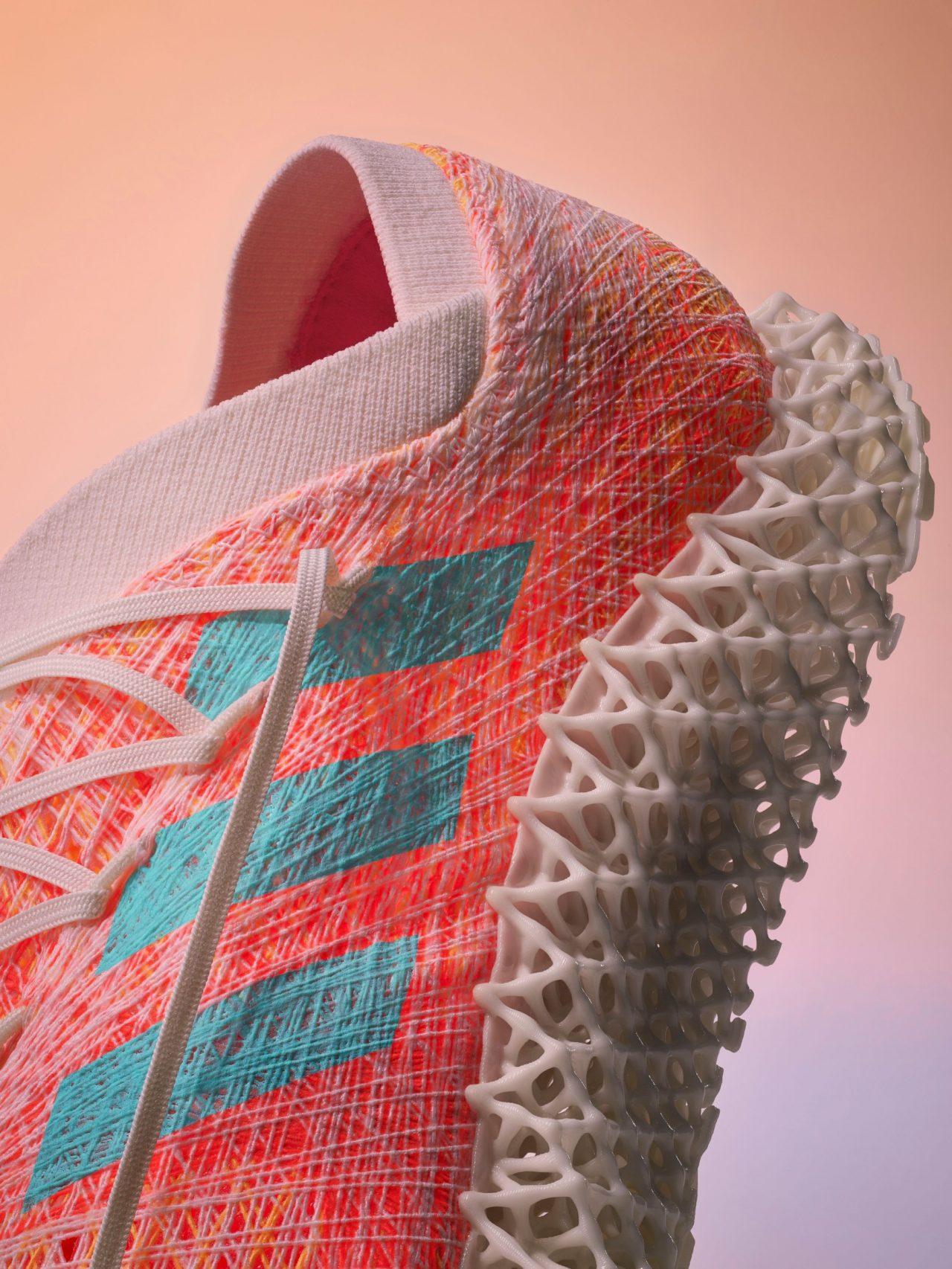 Adidas planea desprenderse de Reebok como parte de una estrategia