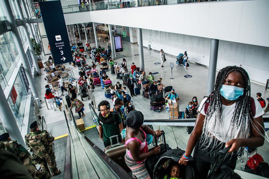 Francia impone restricciones de entrada a Colombia, Costa Rica y Uruguay