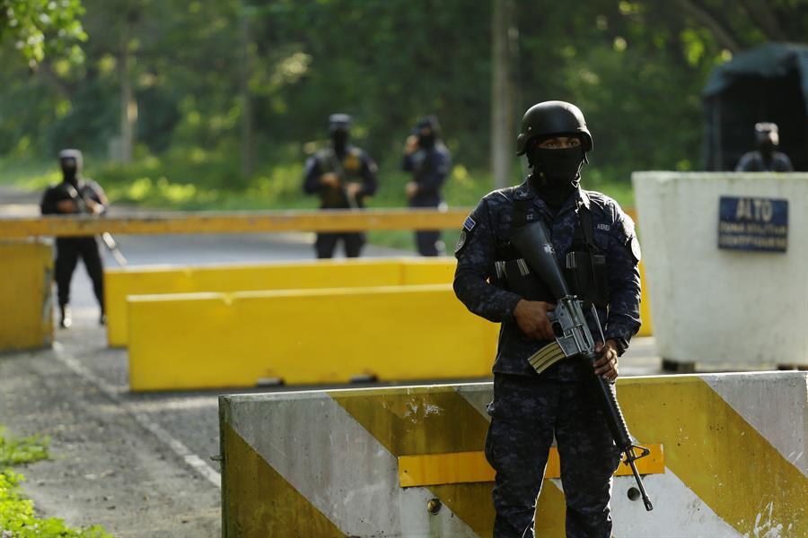 Estudio reafirma papel de policías salvadoreños en desplazamientos