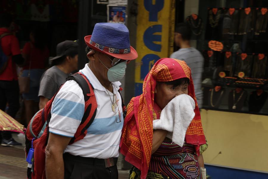 El uso de la mascarilla por Covid enfrenta a autoridades indígenas en Panamá