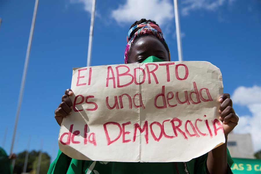Dominicanas exigen frente al Congreso Nacional la despenalización del aborto