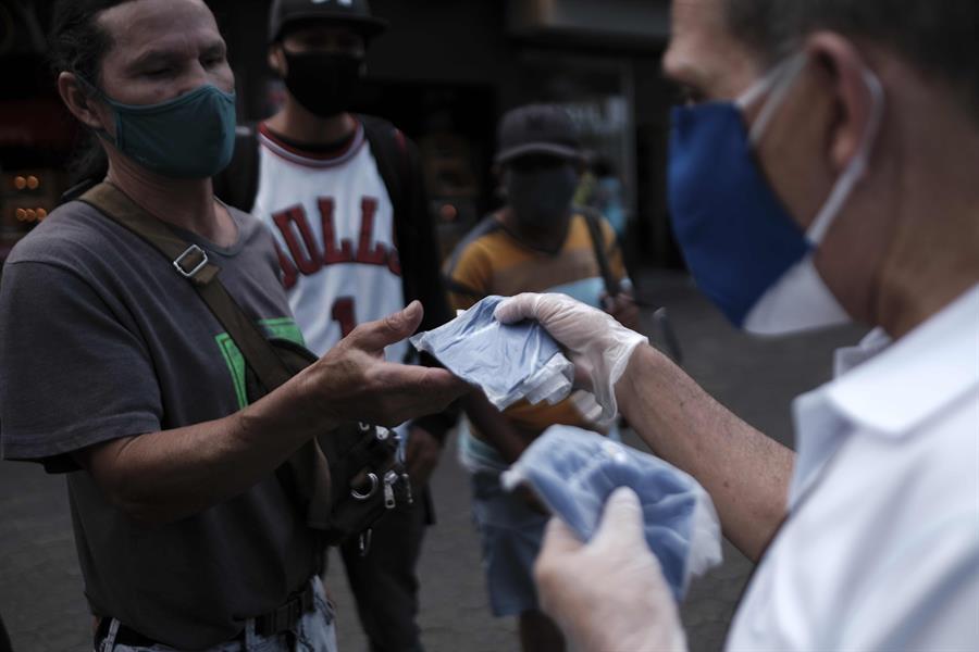 Emiratos Árabes Unidos dona 18 toneladas de suministros médicos a Costa Rica