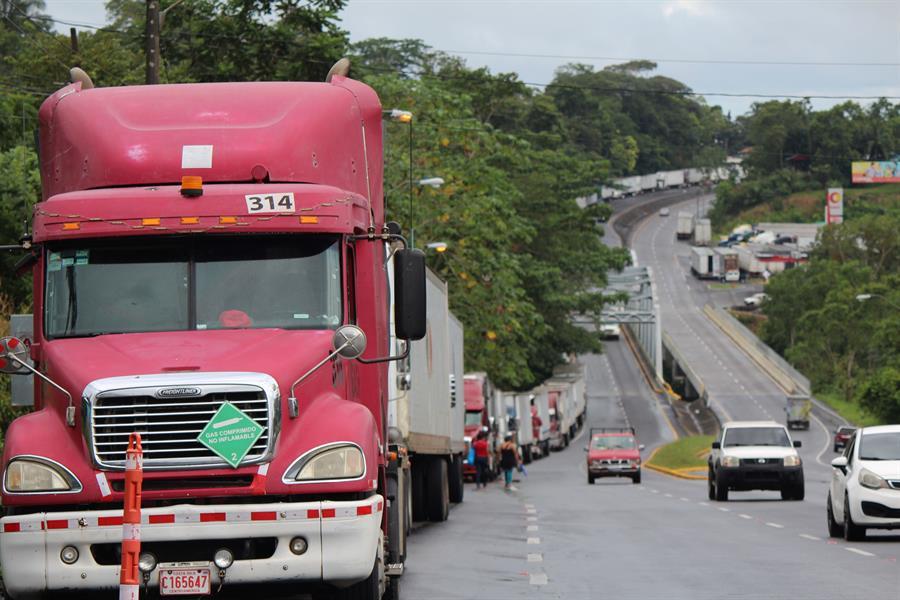 Costa Rica flexibiliza medidas al transporte terrestre