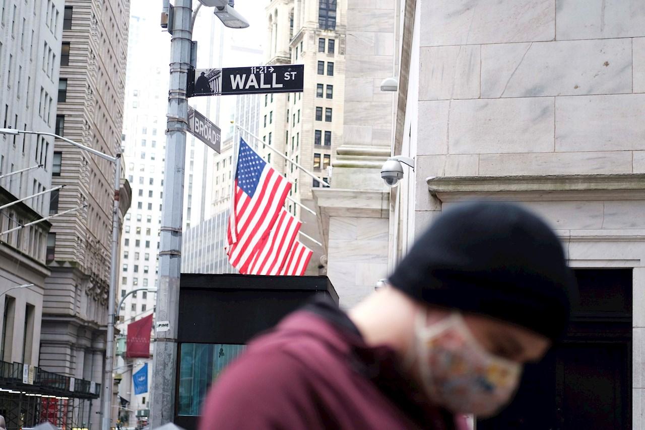 El miedo al COVID-19 'derrumba' a Wall Street