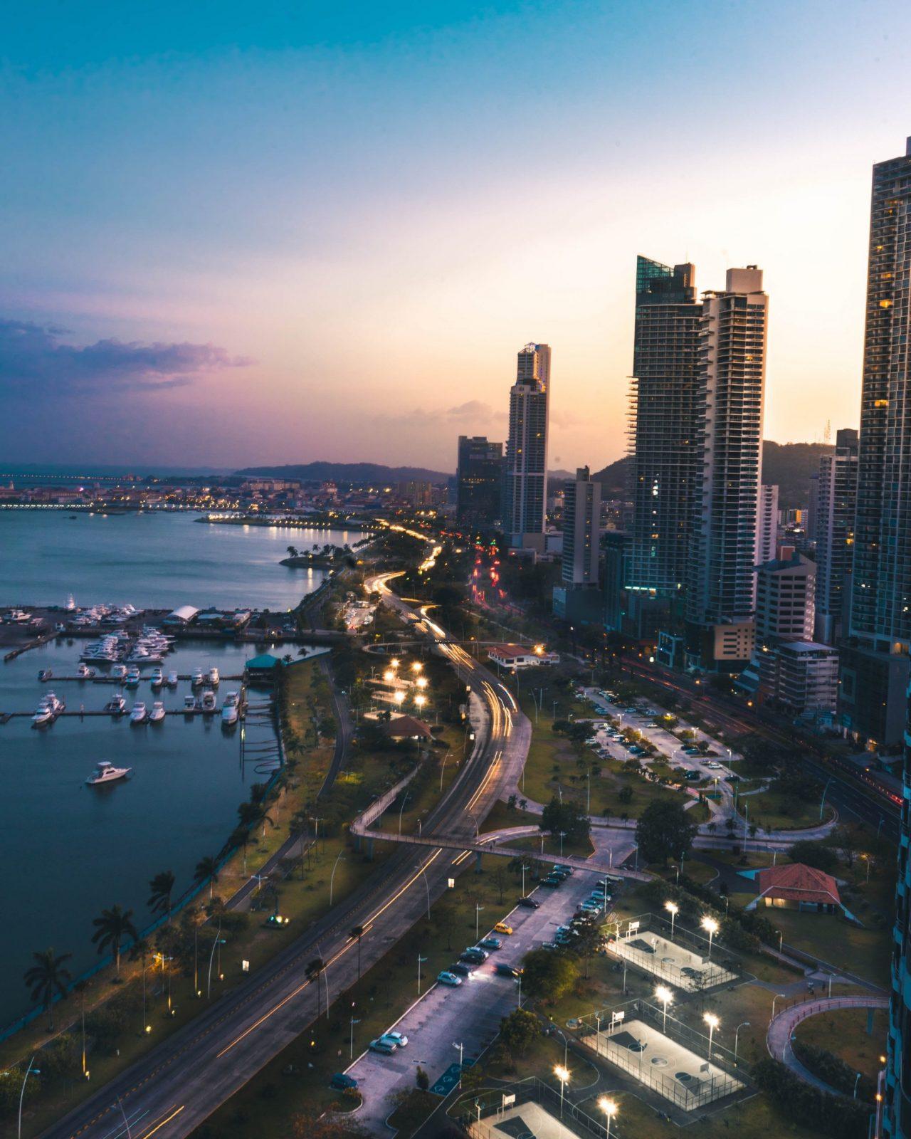 CAF aprueba 350 mdd a Panamá para planes de inclusión digital