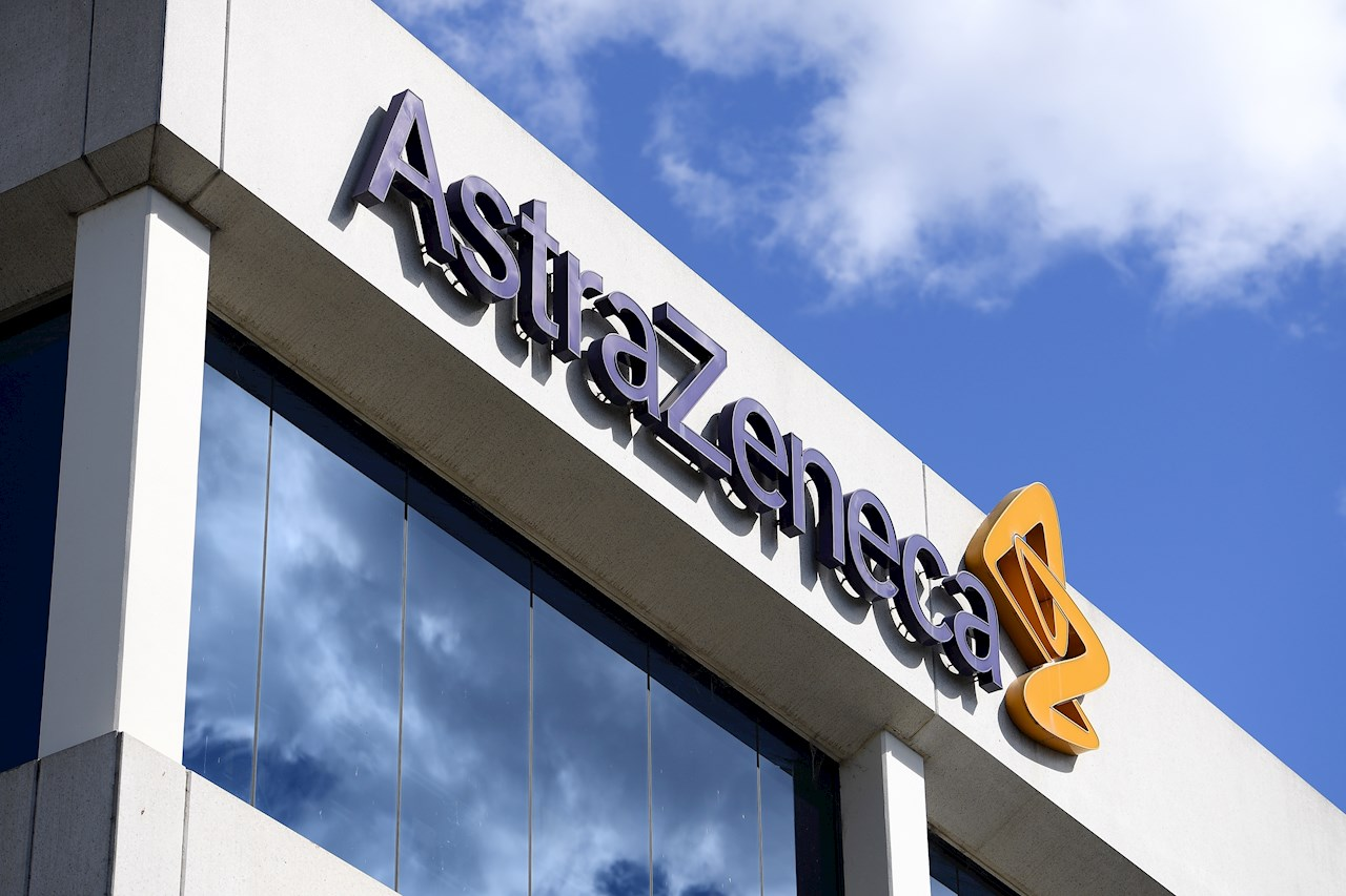OMS valora la ventaja de transporte y almacenamiento de vacuna de AstraZeneca