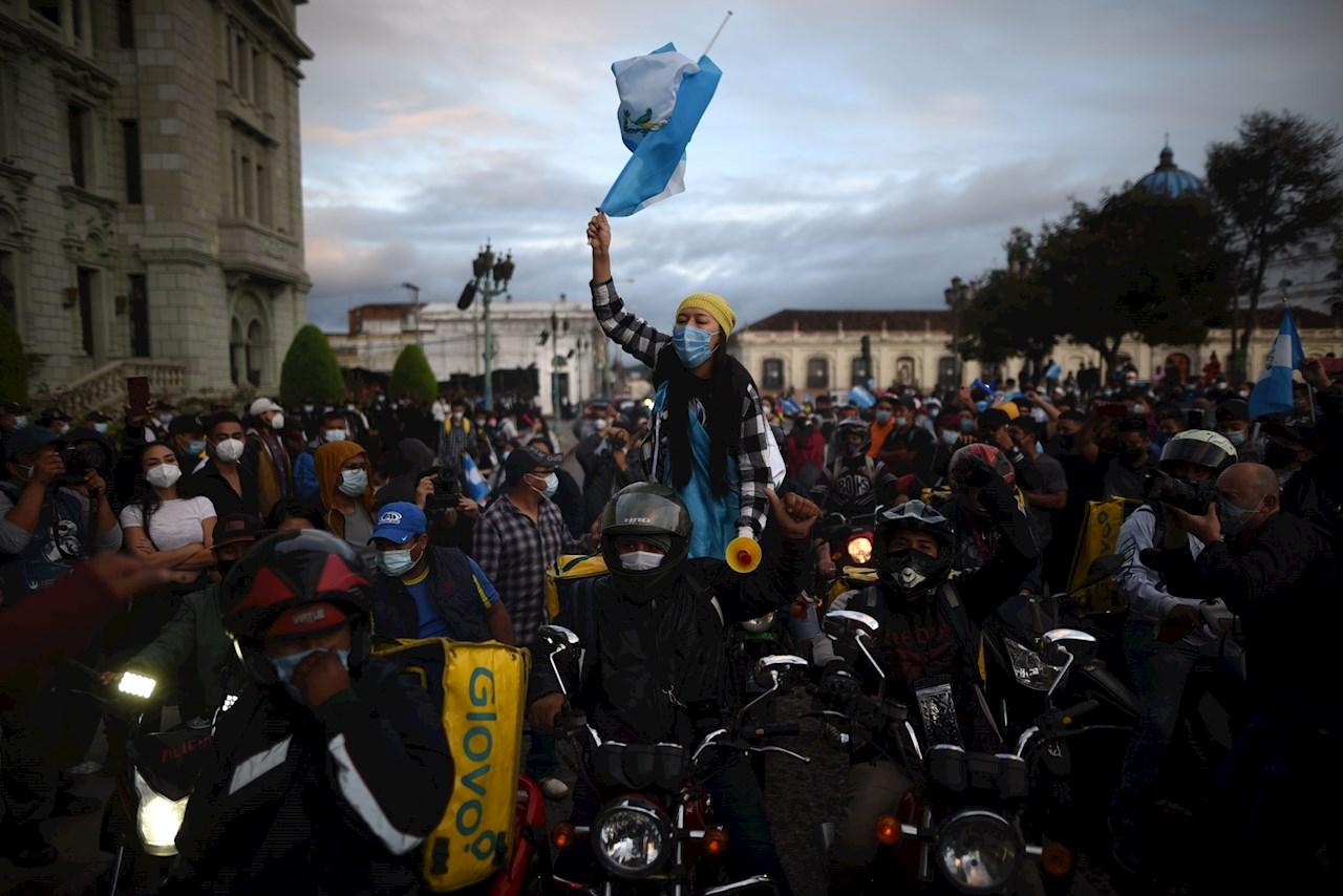 Fiscalía de Guatemala indagará si hubo maras en la protesta ante el Congreso