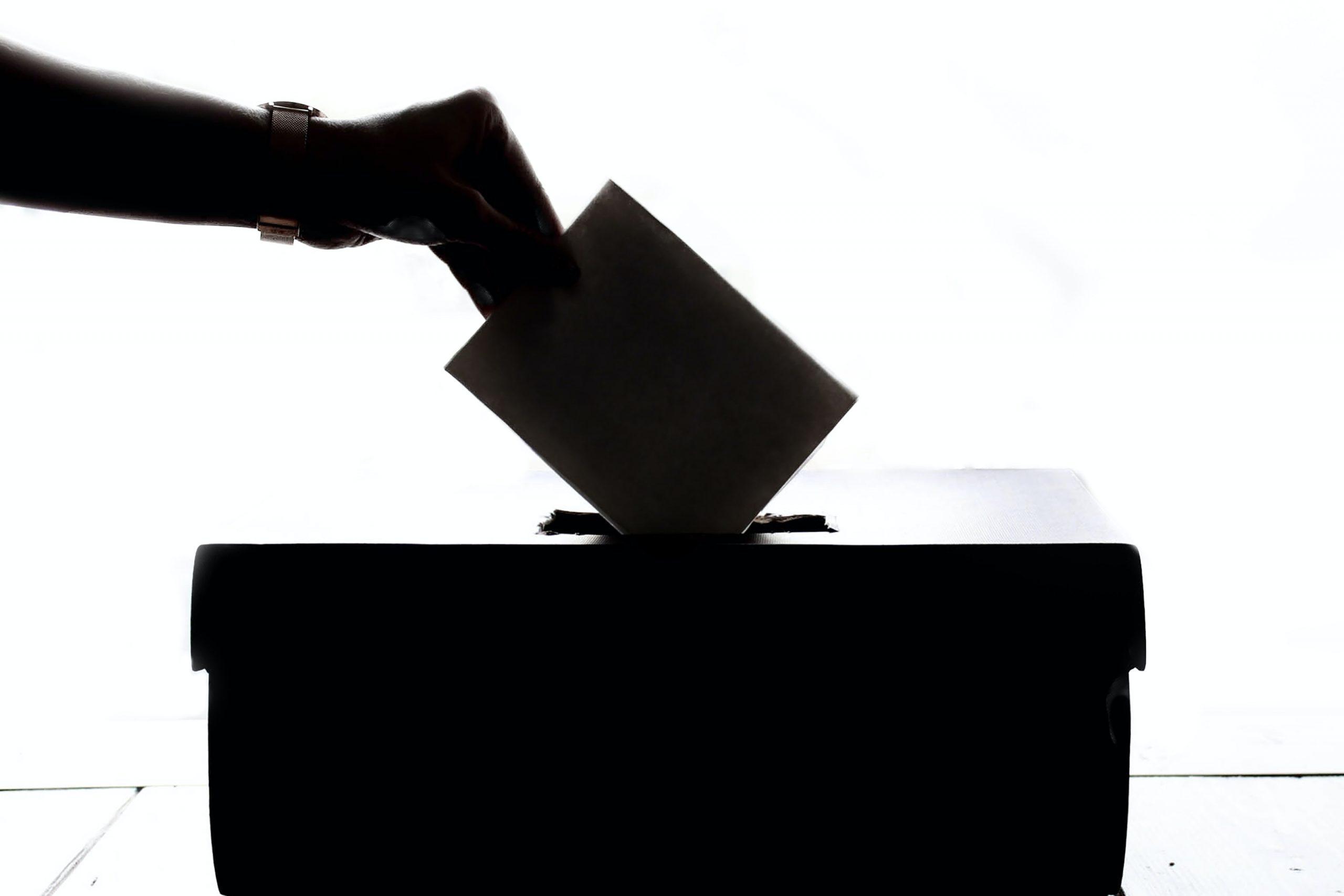 Más de un millón de hondureños en EU pueden perder derecho al voto