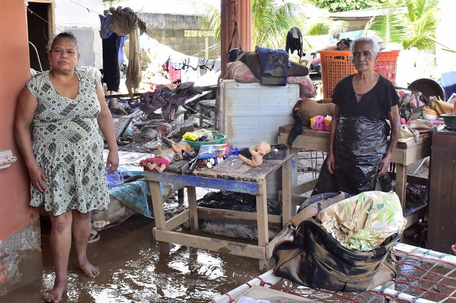 BCIE dona un millón de dólares para afectados por Eta en Honduras y Nicaragua