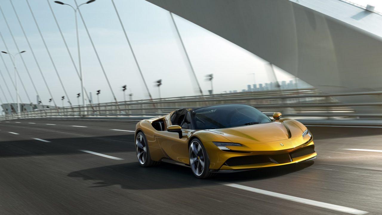 Ferrari SF90 Spider: El sueño híbrido y descapotable de las carreteras