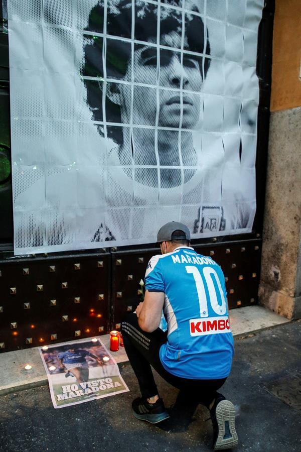 FIFA pide un minuto de silencio en todos los partidos del fin de semana por Maradona