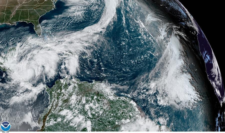 """""""Extremadamente peligroso"""" huracán Iota se enfila hacia Centroamérica"""