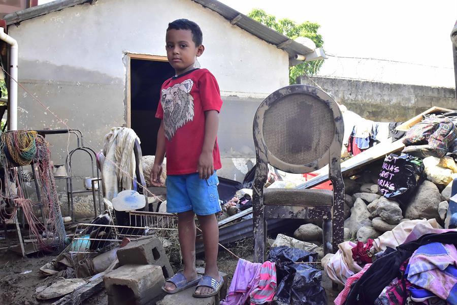 Honduras: Tras huracanes, aldea comienza a resurgir con solidaridad