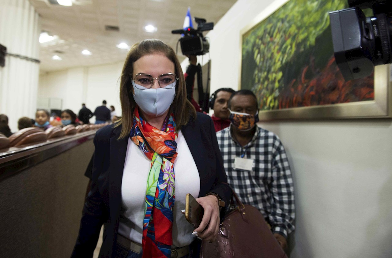 Esposa de Arnoldo Alemán recurre cese como diputada de Nicaragua