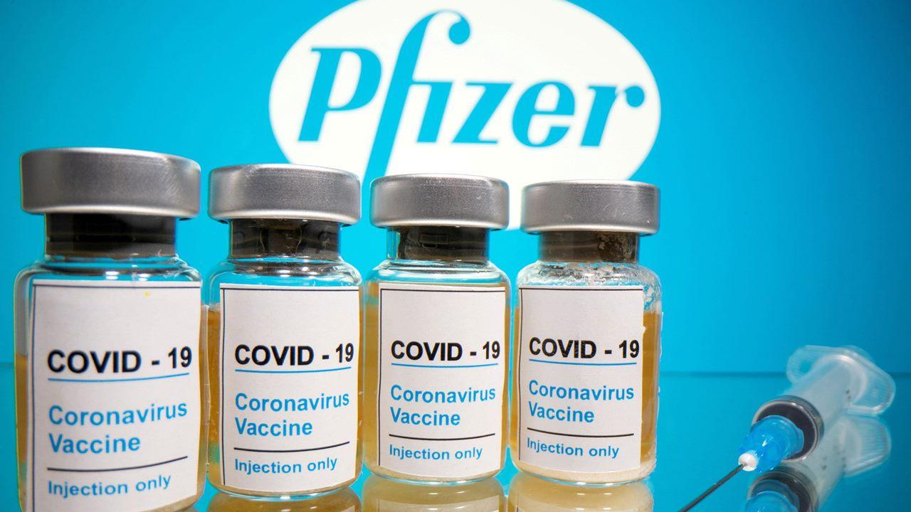 United Airlines empieza a transportar vacunas de Pfizer contra COVID-19