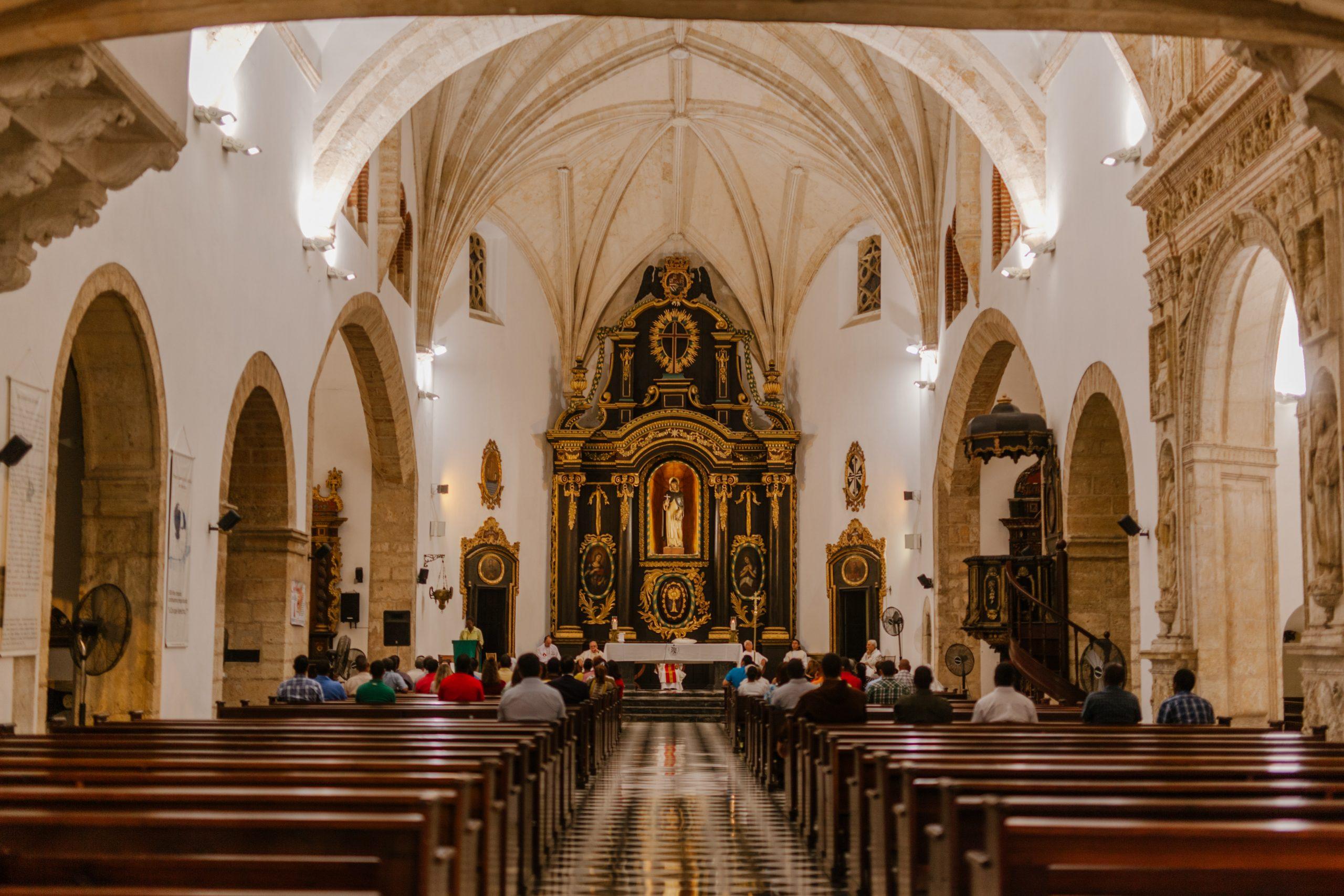 Honduras vive Semana Santa sin procesiones, pero con iglesias abiertas