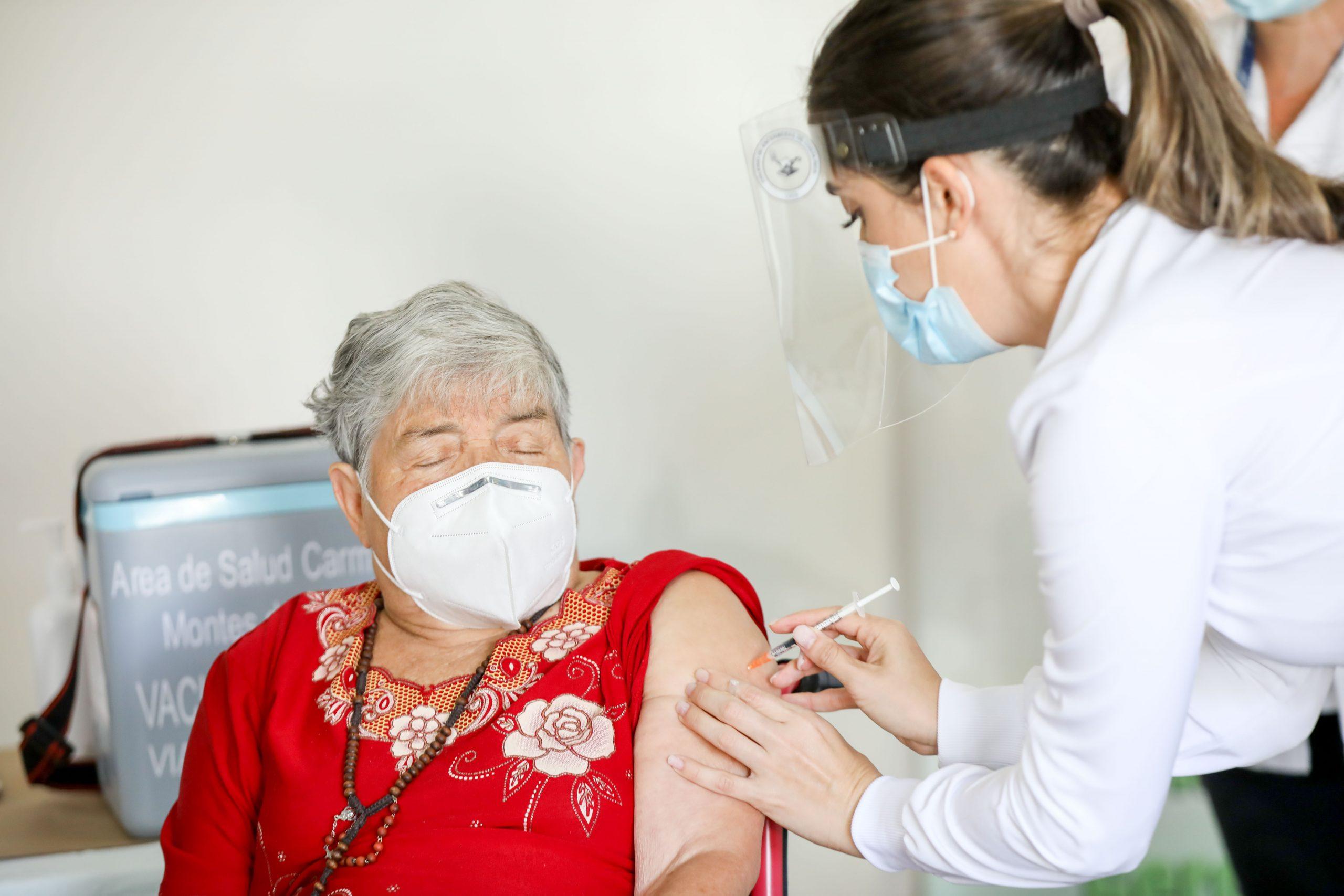 Costa Rica avanza vacunación en zonas rurales