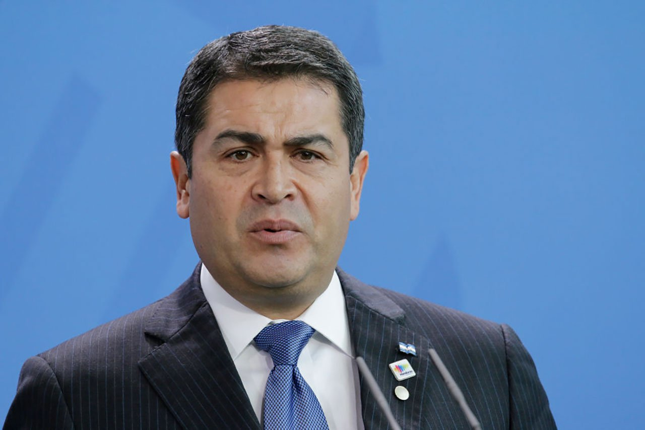 Presidente Hernández pide a países donar o vender exceso de vacunas anticovid