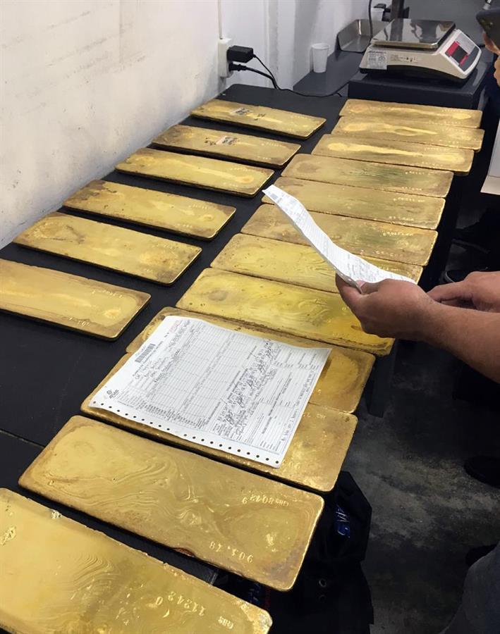Oro de las FARC para las víctimas es subastado por 11.9 mdd