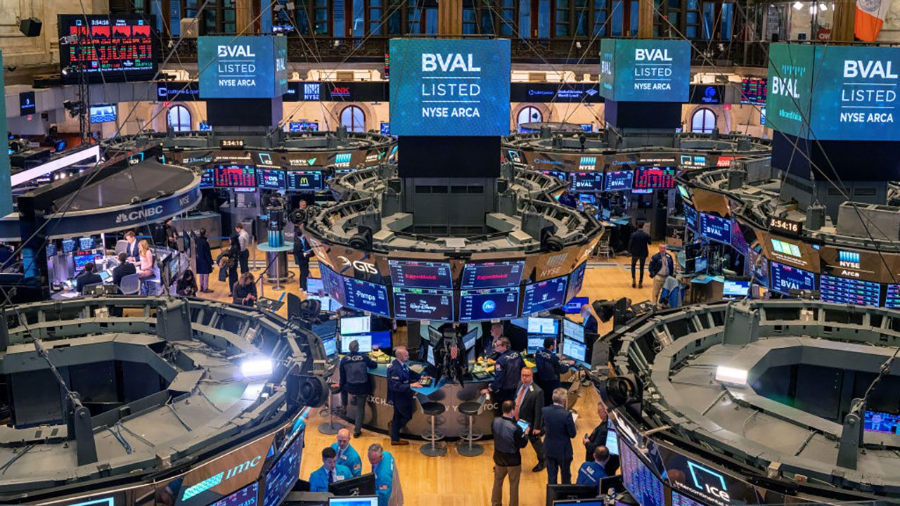 Wall Street abre con pérdidas, pendiente de los bonos del Tesoro