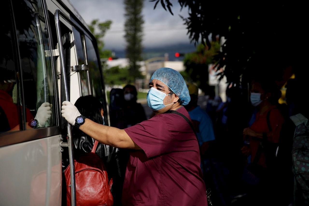 El Salvador registra nuevos casos de coronavirus, decesos suben a 1,142